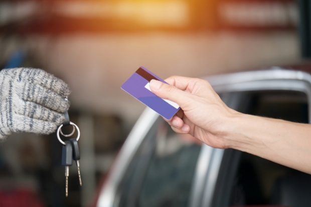 Keys and credit card1 620x414 - Don't Get Rental Car Insurance, Get This